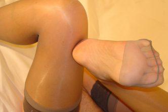 Ma salope d'ex-copine montre ses orteils