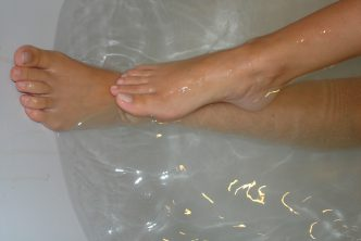 Mon ex-copine nue dans son bain