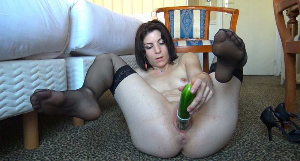 A French slut fucked with a cucumber