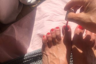 My slutwife paints her toenails red