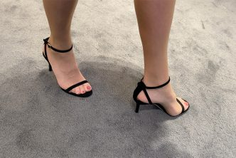 Ma femme achète des chaussures de luxe